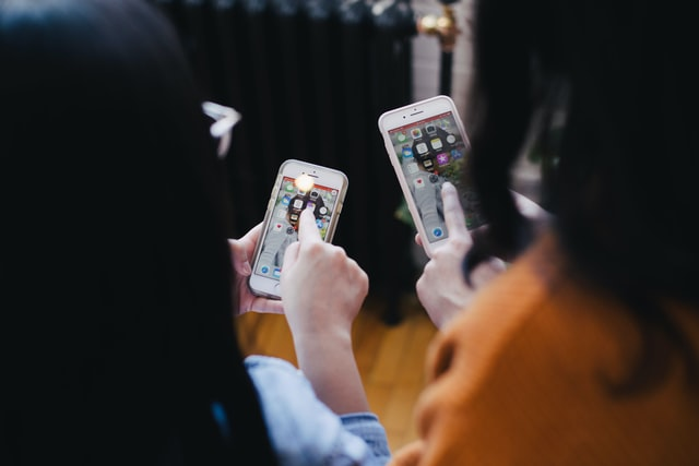 How are mobile apps developed?